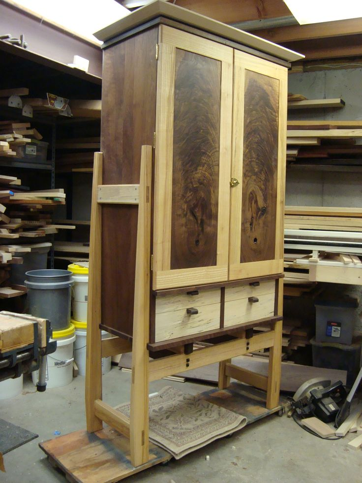 Tyler's Tool Cabinet : The Hands-On Woodworker