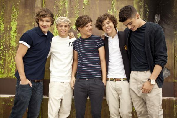 Harry Styles, Zayn Malik, Liam Payne, Niall Horan and Louis Tomlinson :)   #OneDirection <3