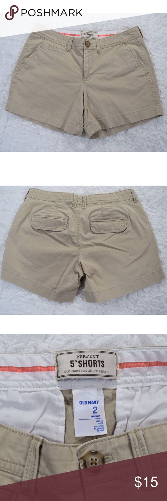 """Old Navy Women's Khaki Shorts Women's Old Navy Khaki Shorts💕Perfect 5"""" Shorts💕Size 2 regular💕Great condition💕2 side pockets💕Small back flap pockets💕Zipper fly💕97% cotton 3% spandex💕4.5"""" inseam from crotch to bottom hem💕Smoke and pet free home Old Navy Shorts"""