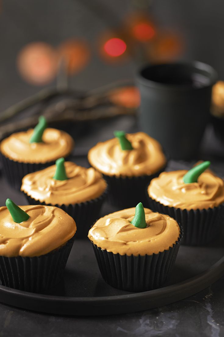 Try making these Bloodsucking Pumpkin Cupcakes for Halloween parties or trick-or-treaters. Top with creamy, caramel-flavoured icing and a little green pumpkin stalk.