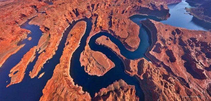 Le lac Powell à la frontière de l'Utah et de l'Arizona USA