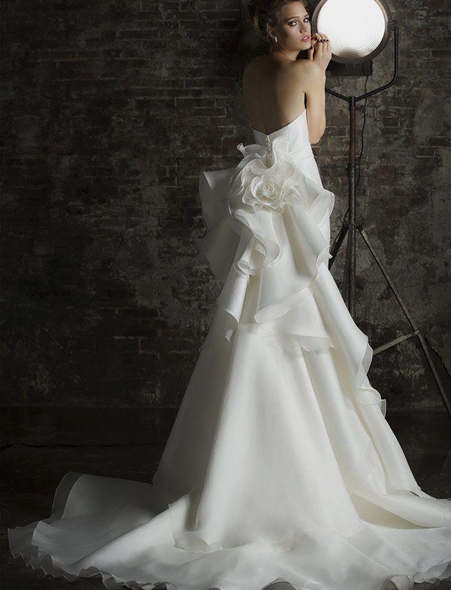 prezzo folle prezzo all'ingrosso sconto più basso Valentini abiti da sposa rigorosamente Made in Italy, raffinatezza ...
