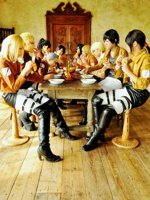 Attack on Titan Cosplay…