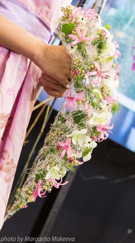 ♥ Cascading textural bouquet