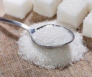 Что общего между сахаром и кокаином?.. http://ukrainianwall.com/health/chto-obshhego-mezhdu-saxarom-i-kokainom/  Влияние сахара на человеческий мозг похоже на влияние кокаина — этот факт известен давно. Однако результаты новейших исследований показывают, что сила этого воздействия была недооценена. И что с людьми, пристрастившимися