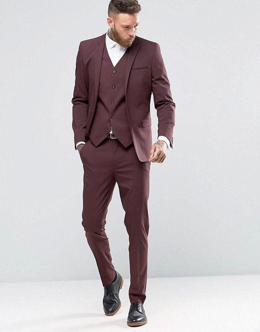 Este traje granate es perfecto tanto para ir a trabajar como para una boda. En la boda de Dulceida y Alba lo vimos entre uno de los invitados especiales.  #traje #granate #boda #Asos #Dulcewedding #moda #estilo #hombre