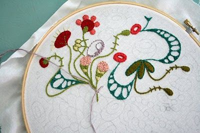 organic embroideryFlower Embroidery, Doodles Art, Checkout Girls, Embroidery Design, Doodles Stitches, Fabrics Fun, Doodles Embroidery, Crafts, Creative Inspiration