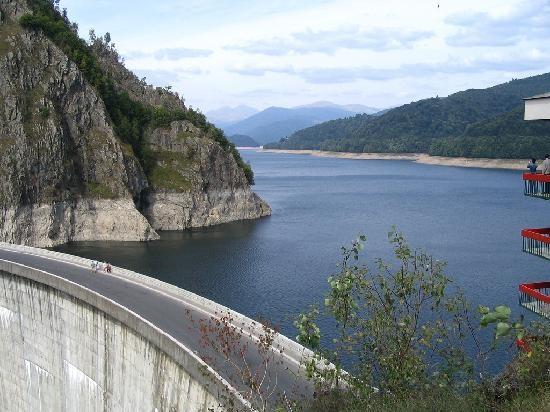 Romania: Vidraru Lake