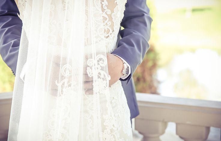 Bridal veil | Vintage style wedding photography | www.newvintagemedia.ca | Royal Ambassador Caledon Wedding