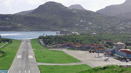 runway on st barth's:)