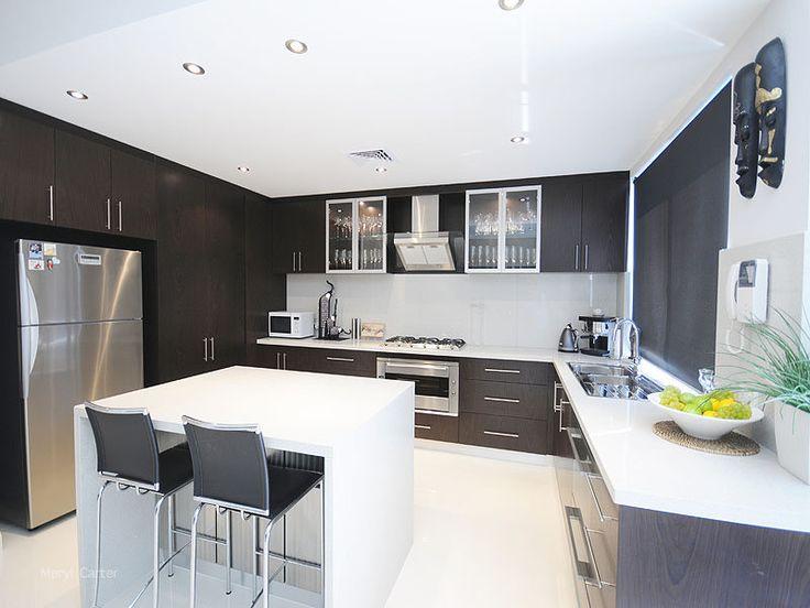 Best 25+ U shaped kitchen with breakfast bar ideas on Pinterest ...