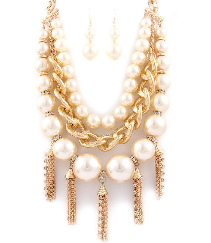 The better the jewelry, the better the party  http://www.rubywholesale.com/product/productList.do?category_code=9&iv_name=day&iv_value=14%2F01%2F20
