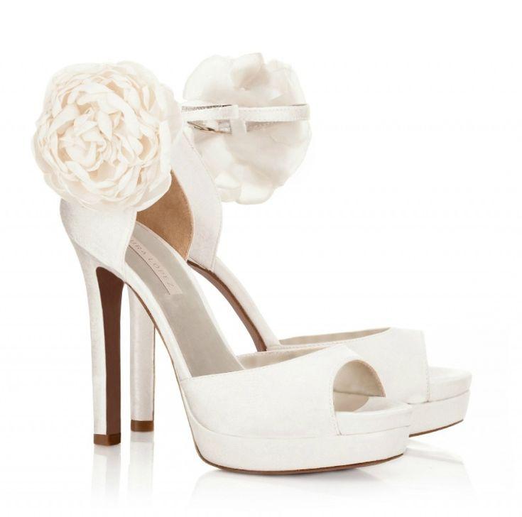 Boda a la vista » Clásica, atrevida, sofisticada o hippie… elige tu zapato de novia