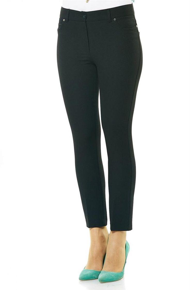 """Soral Hürrem Pantolon-Siyah 1689-01 Sitemize """"Soral Hürrem Pantolon-Siyah 1689-01"""" tesettür elbise eklenmiştir. https://www.yenitesetturmodelleri.com/yeni-tesettur-modelleri-soral-hurrem-pantolon-siyah-1689-01/"""