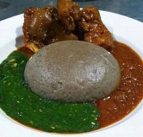 T 233 Libo P 226 Te Noire 224 Base De Cossettes D Ignames Benin In 2019 Nigerian Food Ghana Food Food