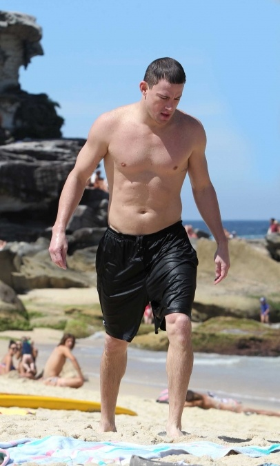 Channing Tatum goes swimming in Sydney. The actor enjoyed some lunch with co-star Jonas Hill before jumping in the water.