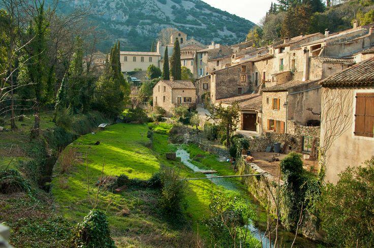 Saint Guilhem le Désert - Village médiéval situé au cœur des Gorges de l'Hérault.