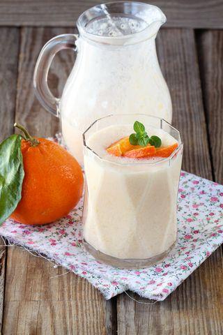 Appelsin- og ferskensmoothie