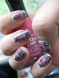 DIY Nail Art designs zebra stripes