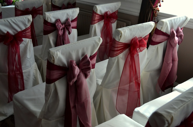 Alternating Double Matt Burgundy with Dusky Pink Organza and Burgundy Organza bows on White Chair Covers