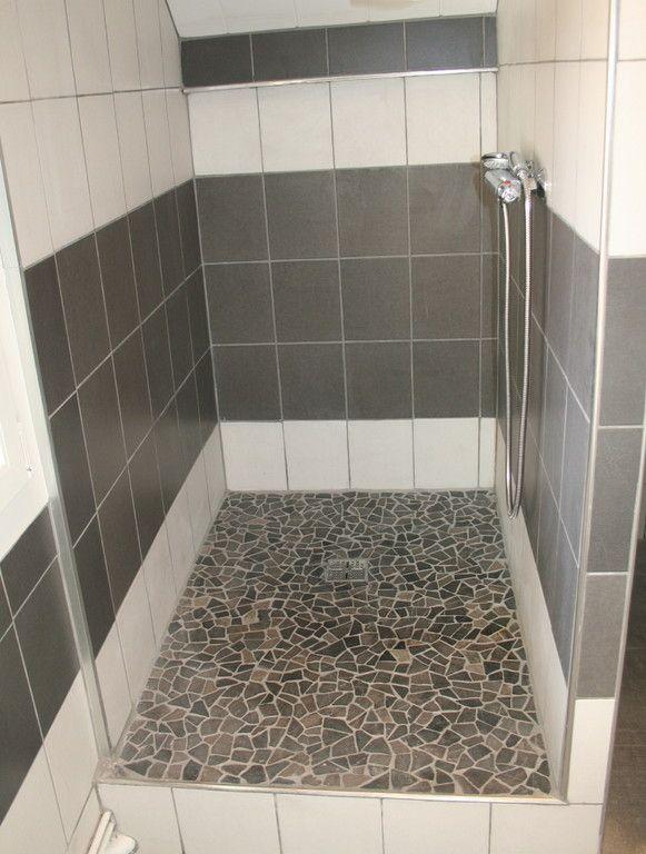 Douche ouverte avec galets salle de bain pinterest for Photo douche italienne galet