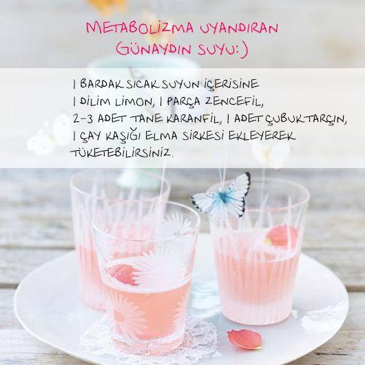 Pazartesi gerçekliğine hazır olanlar? Hem zindelik veren hem metabolizmayı uyandıran bir çayla güne başlamak bu mevsim geçişlerinde TuruncuKasa'nın önerisine kulak vermek gerek deriz ;) Gününüz mutluluk dolu geçsin..İyi Haftalar #goodmorning #morning #monday #pazartesi #günaydın #tea #çay #water #su