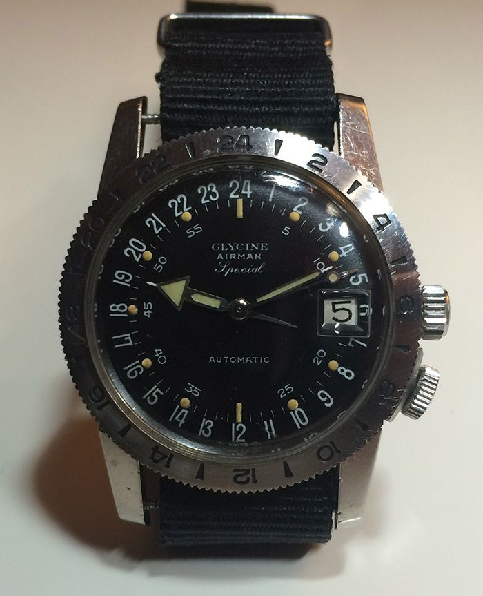 GLYCINE AIRMAN  1965 - Special Automatic, Mouvement A. Schild 1700/1701. Couronne quadrillée d'origine. Stop Seconde par fil de fer...