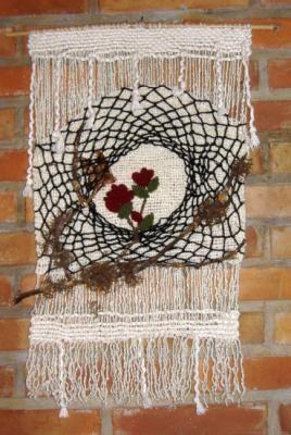 tapiz en telar tapiz lana de oveja,sogas,incrustaciones de madera  tejido en telar-bastidor