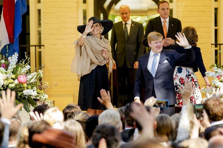 AUCKLAND - Koning Willem-Alexander heeft woensdagmiddag (plaatselijke tijd) in Auckland zijn driedaagse staatsbezoek aan Nieuw-Zeeland afgesloten. Aan het begin van de avond vliegt het koninklijk gezelschap met Emirates richting Nederland. (Lees verder…)