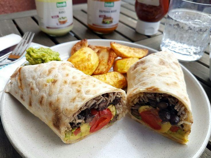 //analytics.blogfoster.com/count.js Anzeige Als vor wenigen Tagen ein Paket mit veganen Bio Saucen von Byodo Naturkost bei mir eintrudelte, schrie dies förmlich nach einem Verwöhnwochenende mit veg…