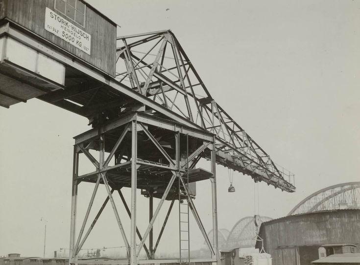 Loskade Waalbrug, Waalhaven Nijmegen. 1932