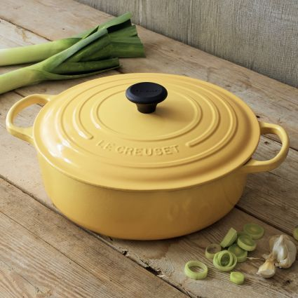 Le creuset signature honey round wide french oven qt for La cuisine x le creuset