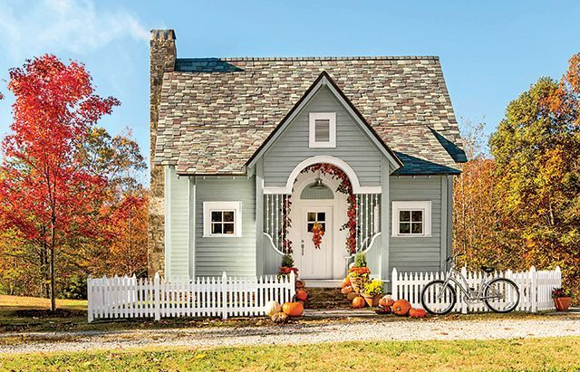 Life at this 1 143 square foot storybook cottage located for Compact cottages georgia