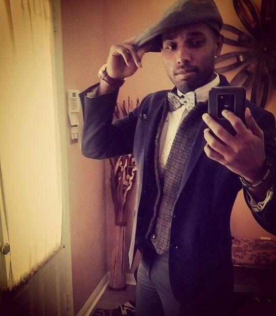 Bowtie kind of day   #bowtie #xpress #tweedvest #vest #brwonvest #vest #navyblueblazer #pocketsquare #mensfashion #business #businesscasual #fashion #topman #men #fall