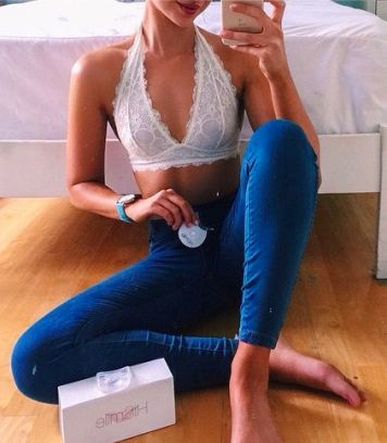 6f2f21611992f lace bralettes + high waisted jeans  freepeople