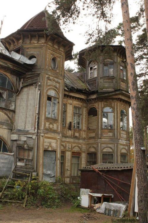 Abandoned dacha, Gor charisma design
