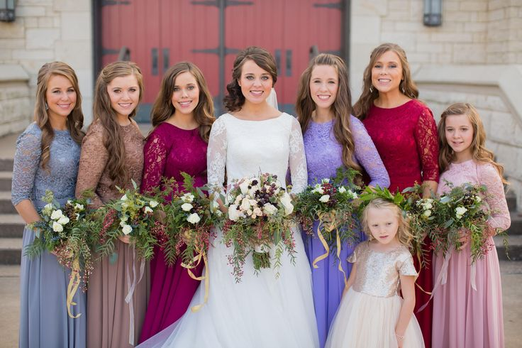 love gingers wedding dress and the color of annas