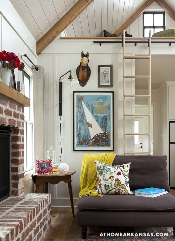 .: Ideas, Living Rooms, Little Houses, Tinyhouse, Cottage, Tiny Houses, Small House, Small Spaces, Fireplace