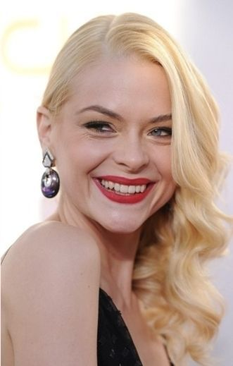 Jaime King Bra Size, Age, Weight, Height, Measurements - Celebrity Sizes