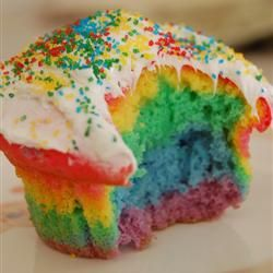 CupcakesFood Colors, Yellow Cake, Cake Mixed, Vibrant Colors, Rainbows Parties, Rainbows Cupcakes, Rainbow Cupcakes, Healthy Desserts, Birthday Ideas