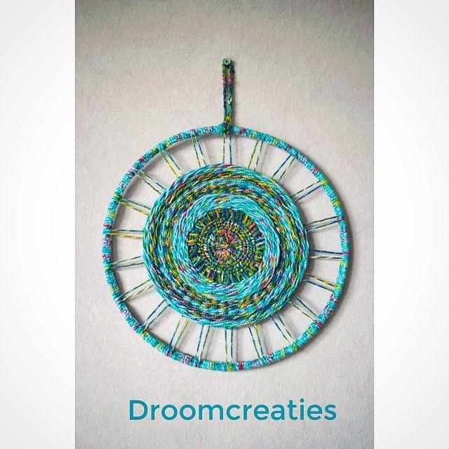 Cool blue mandala ♥ weaving ♥  #mandala #mandaladesign #mandalart #weaving #weven #haken #crochet #dreamcatcher #dromenvangers #weaveart #creative #crea #handmade #droomcreaties #instagram #instalike #mandalaaart #coolblue  #blue