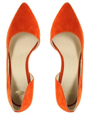 Point Court Shoe in Tangerine Tango