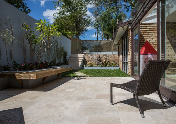 Cinnamon Travertine pavers are the most practical colour - with minimal cavities to help hide dirt, A great  stone paving option for use in courtyards, patios or fashionable-covered outdoor rooms. #cinnamontravertine #landcapedesign #amazingbackyards #loveyourlifeoutdoors  #stonepavers #naturalpavers #thegreatoutdoors  #gardenarchitecture