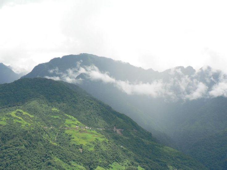 Eastern Himalayan landscape - Arunachal Pradesh  #landscape #Himalaya #India #ArunachalPradesh #biodiversity #mountain @PragyaNGO