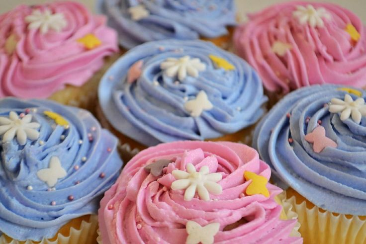 Pink and blue fairy cakes