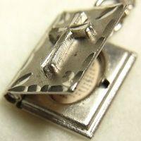 ヴィンテージ シルバー(銀製) mini バイブル(聖書)主の祈り  for Lord's Prayer 天におられるわたしたちの父よ、み名が聖とされますように。 チャーム11×14mm(チェーン有り。無しの場合は300円引き)