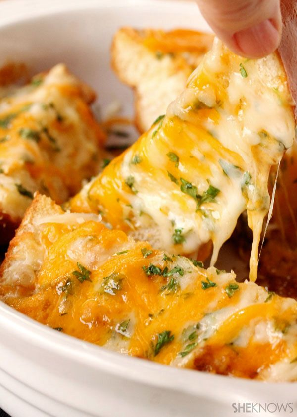 The best cheesy garlic bread ever
