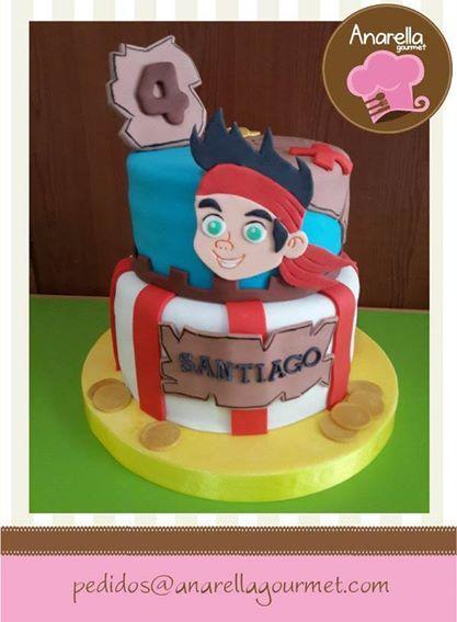 Jake, el pirata, más dulce que nunca en esta torta para los 4 años del pirata Santiago! :o) #pirateJake #cake  https://www.facebook.com/photo.php?fbid=636147799755713&set=a.341607735876389.67998.230691146968049&type=3&src=https%3A%2F%2Ffbcdn-sphotos-e-a.akamaihd.net%2Fhphotos-ak-xaf1%2Ft1.0-9%2F1796437_636147799755713_1869174673_n.jpg&size=597%2C812