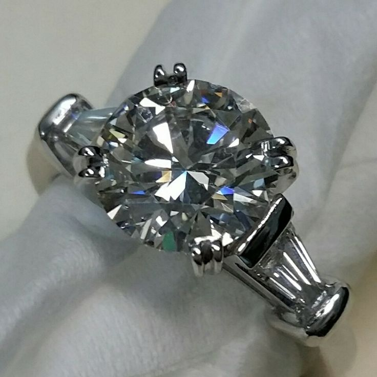 Harry winston style ring