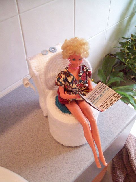 Barbie's Toilet - free crochet pattern.  I made this out of plastic canvas for my Barbie doll house.